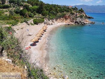 Het lijkt wel een privestrand (Kampos - Votsalakia) - Eiland Samos - Foto van De Griekse Gids