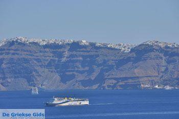 De vulkaan van Santorini   Cycladen Griekenland   De Griekse Fids foto 3 - Foto van https://www.grieksegids.nl/fotos/eilandsantorini/mid/santorini-grieksegids-028.jpg