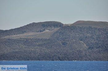 De vulkaan van Santorini Nea Kameni   Cycladen Griekenland foto 1 - Foto van https://www.grieksegids.nl/fotos/eilandsantorini/mid/santorini-grieksegids-234.jpg