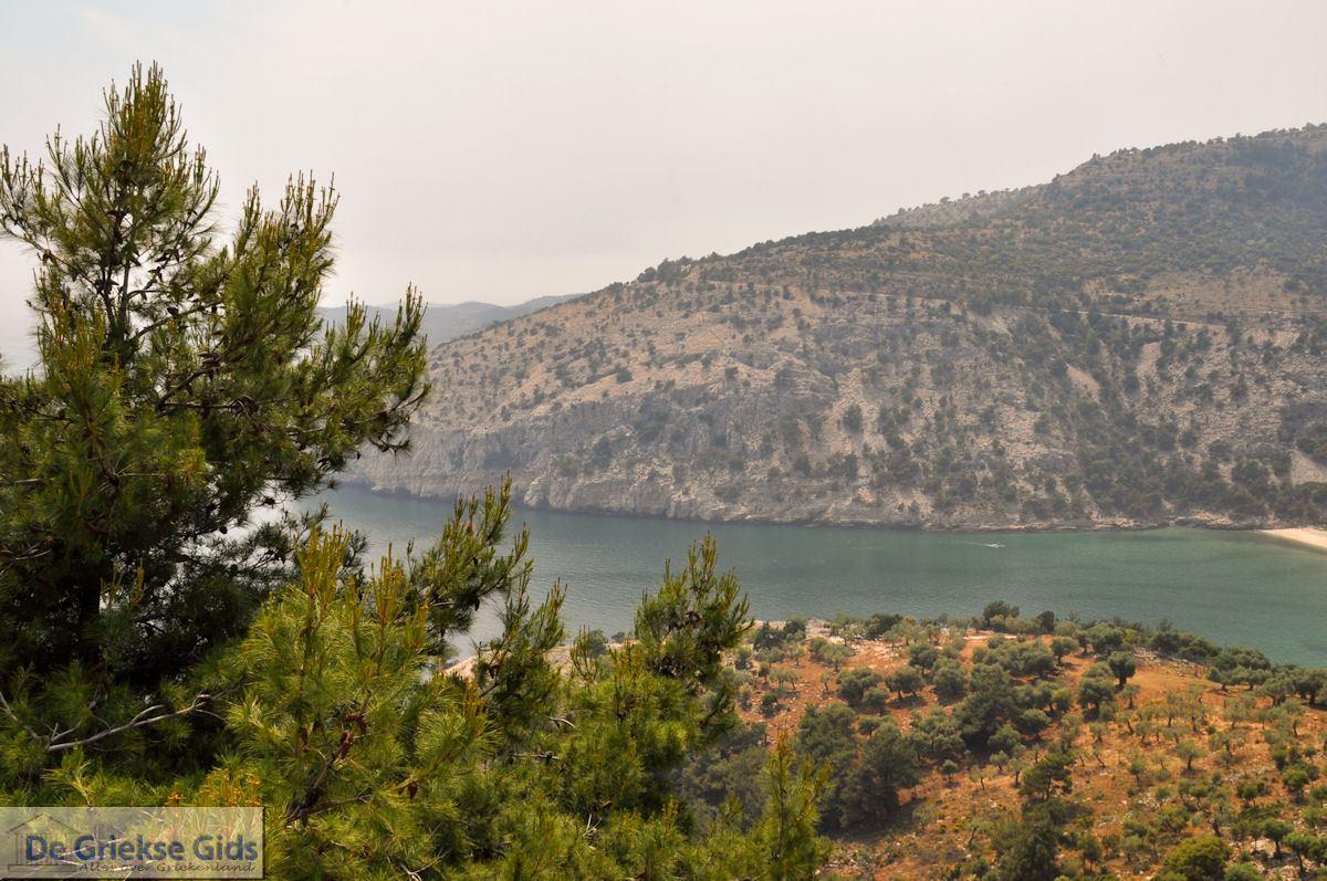 foto Vanaf Alyki naar het klooster Archangelou   Thassos   Foto 2