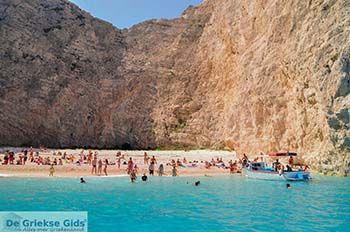 Scheepswrak Zakynthos | Shipwreck Zakynthos | De Griekse Gids | nr 34 - Foto van https://www.grieksegids.nl/fotos/eilandzakynthos/zakynthos/350px/fotos-zakynthos-206.jpg