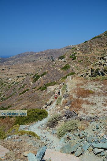 Wandelen naar Angali Folegandros - Eiland Folegandros - Cycladen - Foto 117 - Foto van https://www.grieksegids.nl/fotos/folegandros/350/eiland-folegandros-117.jpg