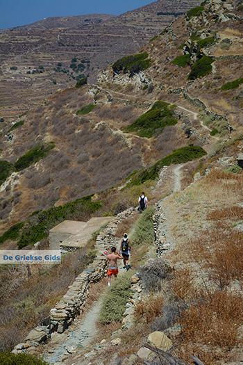 Wandelen naar Angali Folegandros - Eiland Folegandros - Cycladen - Foto 118 - Foto van https://www.grieksegids.nl/fotos/folegandros/350/eiland-folegandros-118.jpg