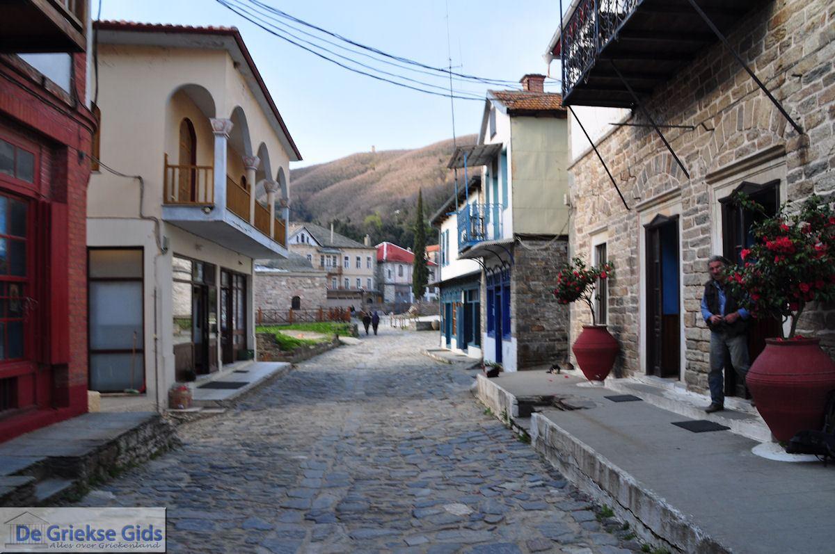 foto Geplaveid straatje Karyes Athos | Athos gebied Chalkidiki | Griekenland