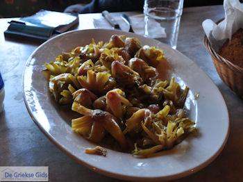 Mylopotamos keuken | Salade van spinazie wortels | Athos gebied Chalkidiki | Griekenland - Foto van https://www.grieksegids.nl/fotos/griekse-gidsnl/chalkidiki350/athos-gebied-chalkidiki-226.jpg