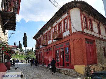 Straatbeeld Karyes Athos foto 2   Athos gebied Chalkidiki   Griekenland - Foto van De Griekse Gids
