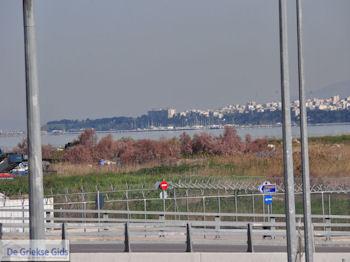 Makedonia vliegveld Thessaloniki - Haventje Kalamaria | Macedonie | Griekenland - Foto van https://www.grieksegids.nl/fotos/griekse-gidsnl/chalkidiki350/athos-gebied-chalkidiki-446.jpg