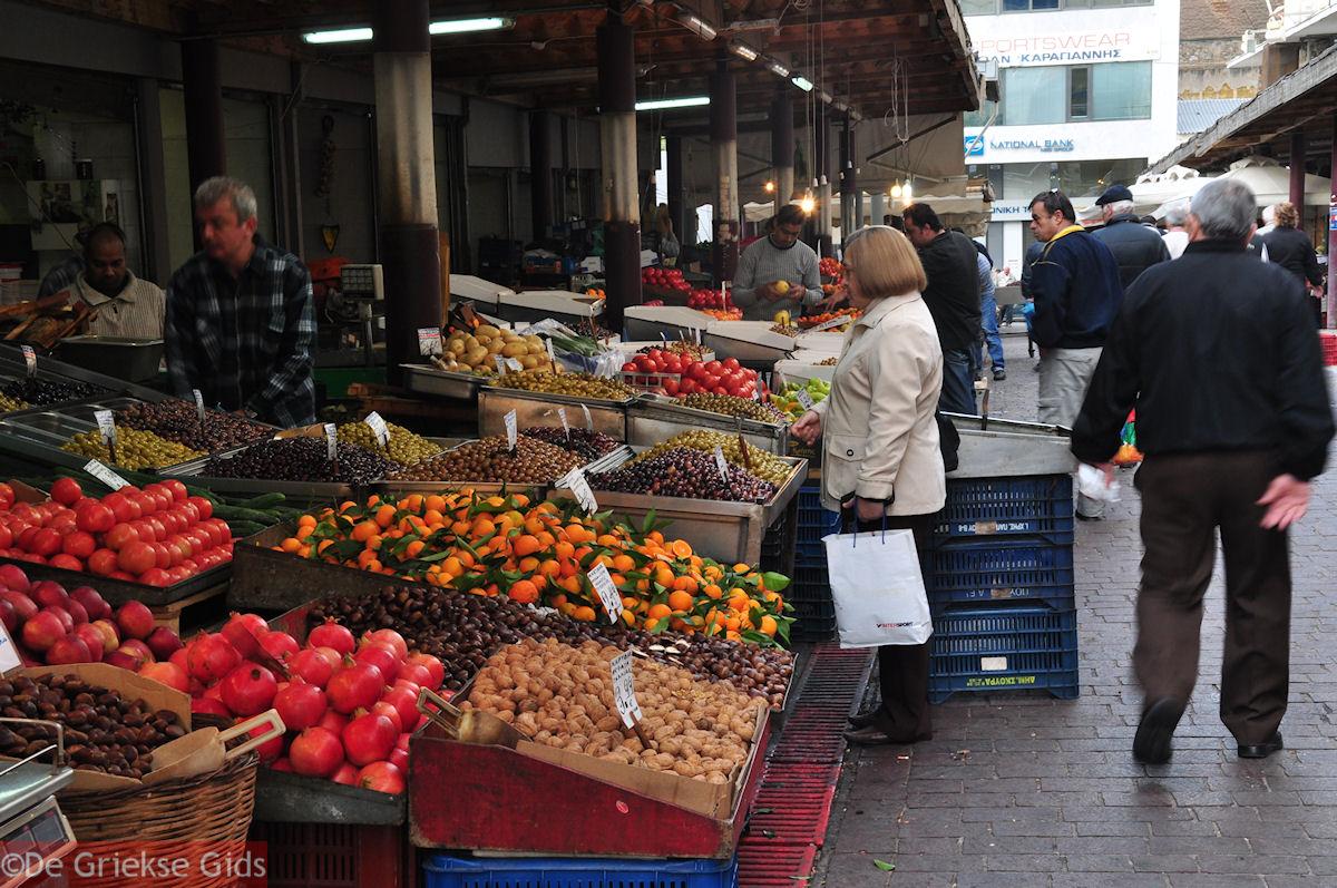 foto Markt Athene - Groenten, fruit, olijven, alle soorten noten - Markt Athene
