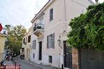 Neoklassiek gebouw op de Flessa straat van Plaka - Athene - Foto van De Griekse Gids