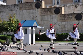 De wacht bij het Graf van de Onbekende soldaat - Foto van De Griekse Gids