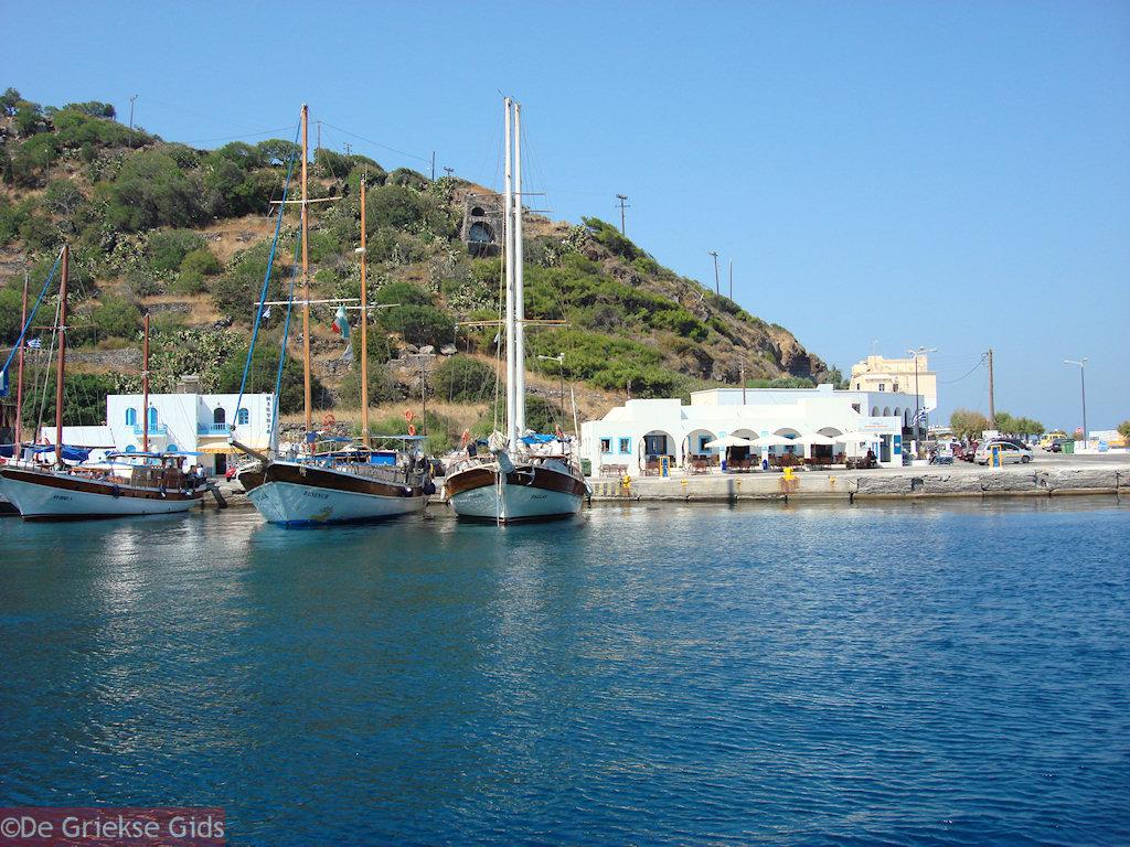 foto Aankomst aan de haven Mandraki op Nisyros