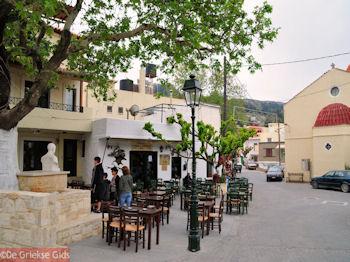 Anogia, een Kretenzisch dorp - Foto van https://www.grieksegids.nl/fotos/grieksegidsinfo-fotos/albums/userpics/10001/normal_anogia-rethymnon-1.jpg