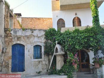 Traditionele huisjes in Eleftherna - Foto van https://www.grieksegids.nl/fotos/grieksegidsinfo-fotos/albums/userpics/10001/normal_eleftherna-rethymnon.jpg