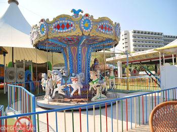 Draaimolen - Hotel Esperides Family Faliraki - Foto van https://www.grieksegids.nl/fotos/grieksegidsinfo-fotos/albums/userpics/10001/normal_hotel-esperides-family-faliraki-01.jpg