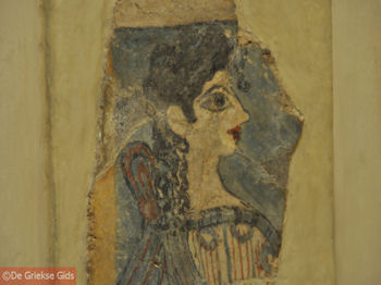 De Parisienne uit Knossos - Foto van https://www.grieksegids.nl/fotos/grieksegidsinfo-fotos/albums/userpics/10001/normal_la-parisienne-heraklion-museum.jpg
