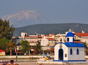 Het kerkje van Nea Artaki | Evia Griekenland | De Griekse Gids - Foto van https://www.grieksegids.nl/fotos/grieksegidsinfo-fotos/albums/userpics/10001/normal_nea-artaki-centraal-evia-1.jpg