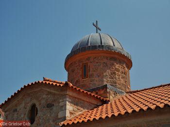 De koepel van de kerk van Osios David bij Rovies - Foto van https://www.grieksegids.nl/fotos/grieksegidsinfo-fotos/albums/userpics/10001/normal_osios-david-klooster-noord-evia-5.jpg
