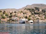 Ferry in haven van Symi - Eiland Symi - Foto van De Griekse Gids