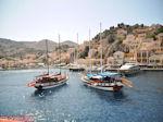 Zeilbootjes in de haven van Symi - Insel Symi - Foto GriechenlandWeb.de