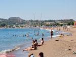 Het lange zandstrand van Faliraki - Foto van De Griekse Gids