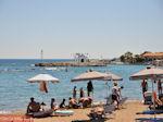 Strand, kerk, haven Faliraki (Rhodos) - Foto van De Griekse Gids
