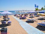 Blue Flag aan een van de stranden van Faliraki (Rhodos) - Foto van De Griekse Gids