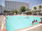 Zicht op Hotel Esperides Family Faliraki - Foto van De Griekse Gids