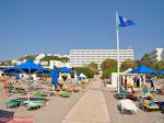 Blue flag op het strand van Hotel Esperides Family Faliraki - Foto van De Griekse Gids