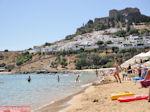 Lindos zandstrand - Foto van De Griekse Gids