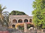 Ruines zijn er overal in Rhodos stad - Foto van De Griekse Gids