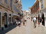 Winkelstraatje Corfu stad - Foto van De Griekse Gids