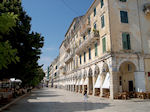 Corfu stad - Liston - Foto van De Griekse Gids