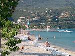 Het kiezelstrand van Ypsos (Ipsos) op Corfu