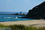 Strand Mesakti bij Armenistis Ikaria en Gialiskari Ikaria | Foto 1 - Foto van De Griekse Gids