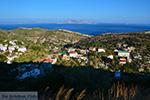 Vanaf de bergen bij Agios Kirykos Ikaria | In de verte Fourni foto 1 - Foto van De Griekse Gids