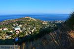 Vanaf de bergen bij Agios Kirykos Ikaria | In de verte Fourni foto 2 - Foto van De Griekse Gids