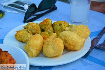 Drakos Fish Taverna Mylopotas Ios - Eiland Ios - Cycladen foto 385 - Foto van https://www.grieksegids.nl/fotos/ios/normaal/eiland-ios-385.jpg