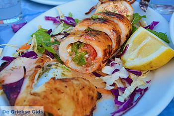 Drakos Fish Taverna Mylopotas Ios - Eiland Ios - Cycladen foto 386 - Foto van https://www.grieksegids.nl/fotos/ios/normaal/eiland-ios-386.jpg