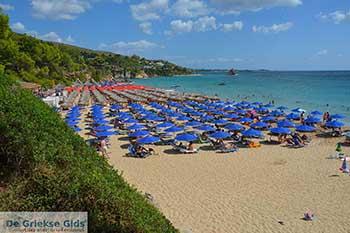 Makris Gialos strand in Lassi Kefalonia - De Griekse Gids photo 13 - Foto van https://www.grieksegids.nl/fotos/kefalonia/350pix/lassi-kefalonia-013.jpg