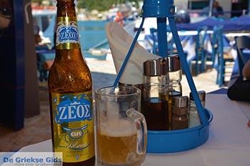 Zeos bier Fiskardo - Kefalonia - Foto 34 - Foto van https://www.grieksegids.nl/fotos/kefalonia/fiskardo/normaal/fiskardo-034.jpg