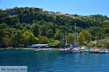 Grot Papanikolis -Meganisi eiland bij Lefkas - Foto 1 - Foto van https://www.grieksegids.nl/fotos/lefkas/meganisi/normaal/meganisi-001.jpg