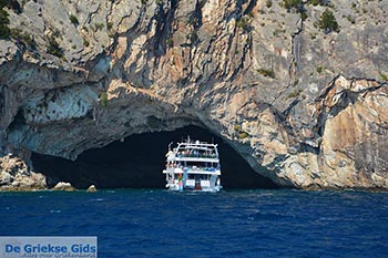 Papanikolis grot - Meganisi eiland bij Lefkas - Foto 96 - Foto van https://www.grieksegids.nl/fotos/lefkas/meganisi/normaal/meganisi-096.jpg