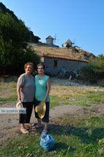 Maria Gritzeli met haar nicht Anastasta in Kontias Limnos (Lemnos) | Griekenland foto 4 - Foto van De Griekse Gids