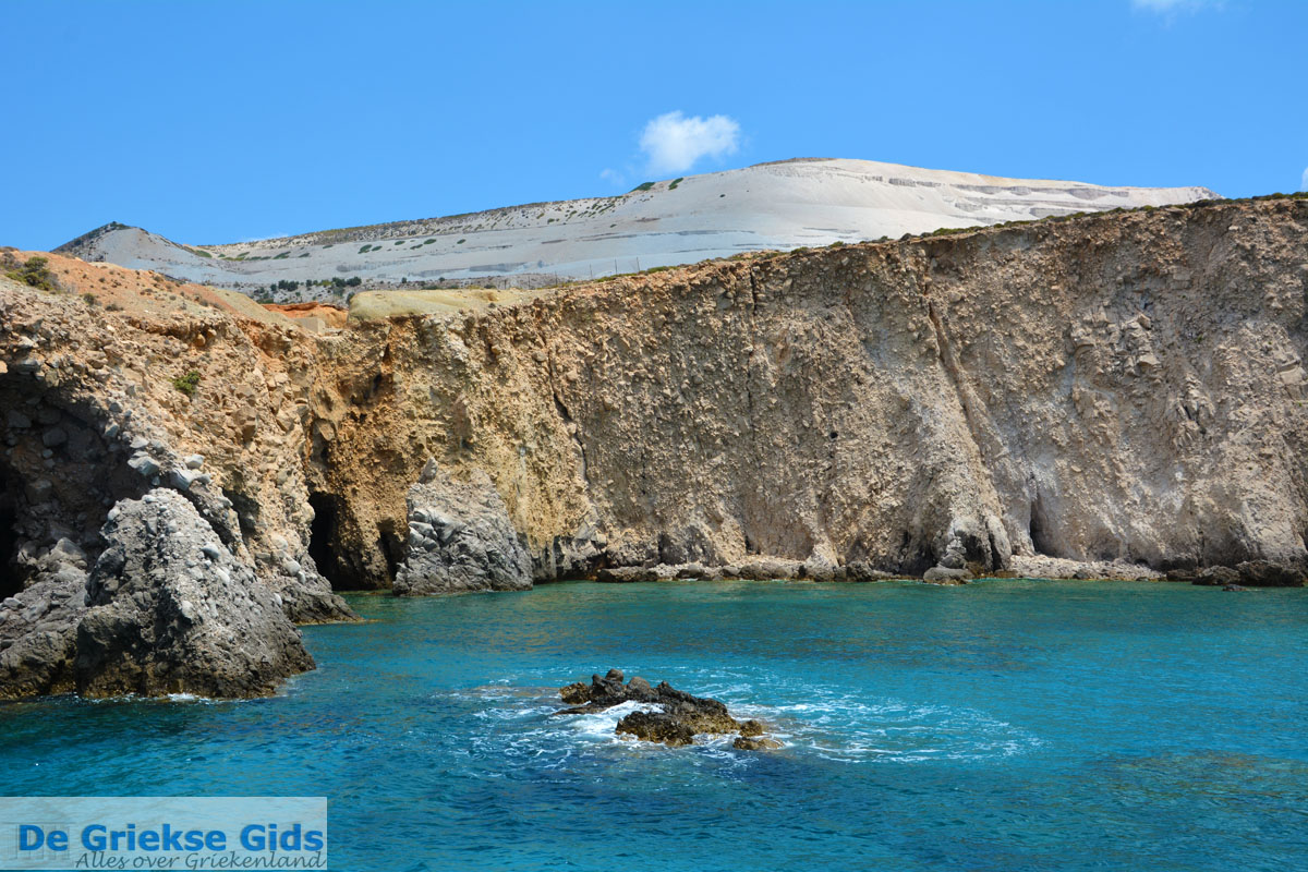 foto Bij Fyriplaka en Tsigrado Milos   Cycladen Griekenland   Foto 35