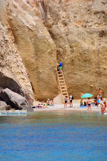 Tsigrado Milos | Cycladen Griekenland | Foto 7 - Foto van https://www.grieksegids.nl/fotos/milos/normaal/fyriplaka-tsigrado-036.jpg