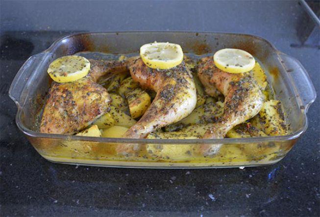 Griekse kip met citroen