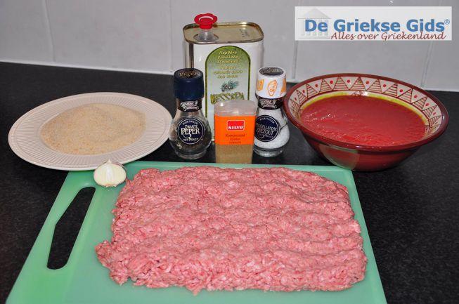 Soutzoukakia recept