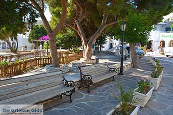 Lefkes Paros - Cycladen -  Foto 3 - Foto van https://www.grieksegids.nl/fotos/paros/lefkes/350pix/lefkes-paros-003.jpg