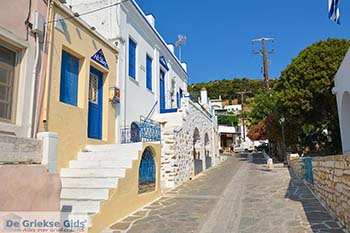 Lefkes Paros - Cycladen -  Foto 67 - Foto van https://www.grieksegids.nl/fotos/paros/lefkes/350pix/lefkes-paros-067.jpg