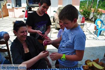 Pasen in Krioneritis | Evia Pasen | De Griekse Gids foto 5 - Foto van https://www.grieksegids.nl/fotos/pasen/normaal/pasen-griekenland-283.jpg